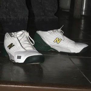New Balance 880 Basketball Shoe Size 13